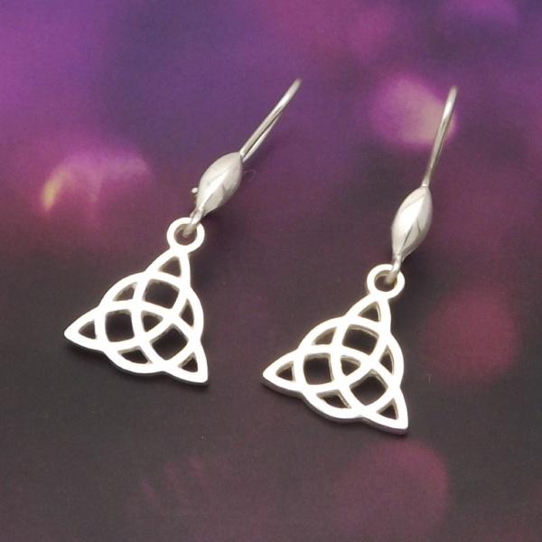 Triquetra ezüst fülbevaló, kelta szimbólum